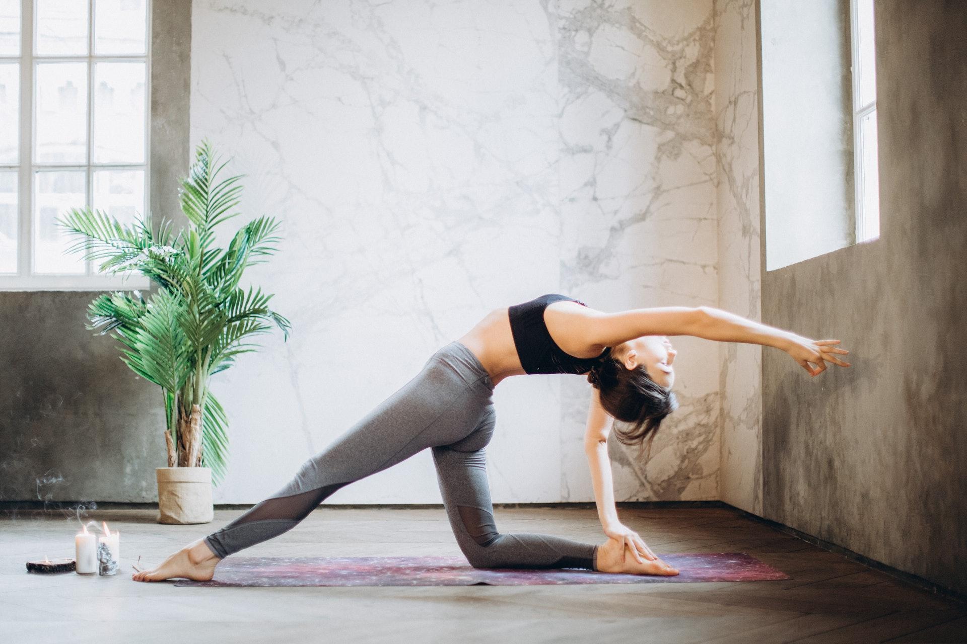 corso online yoga da casa