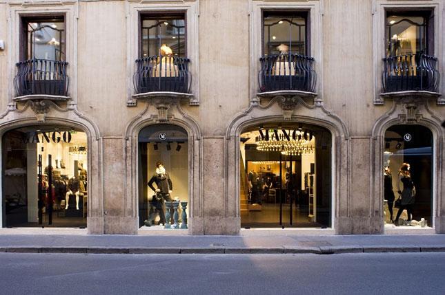 Boutique Mango a Roma, Via del Corso