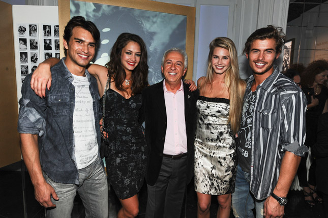 Paul Marciano & Models Campaign