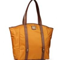 Lancel presenta la shopping bag Roll n Rock 5e69f5d03e4
