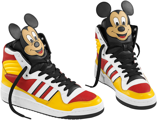 Mickey Mouse sulle sneakers adidas Originals by Jeremy Scott