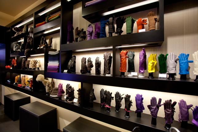 Boutique Sermoneta Gloves a Milano