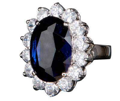 L'anello di fidanzamento di Kate Middleton in vendita su QVC!