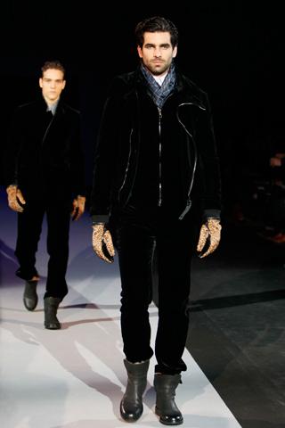 Giorgio Armani Fall-Winter 2011/2012