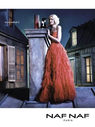 sui tetti di paris ecco la nuova campagna naf naf fashion times. Black Bedroom Furniture Sets. Home Design Ideas