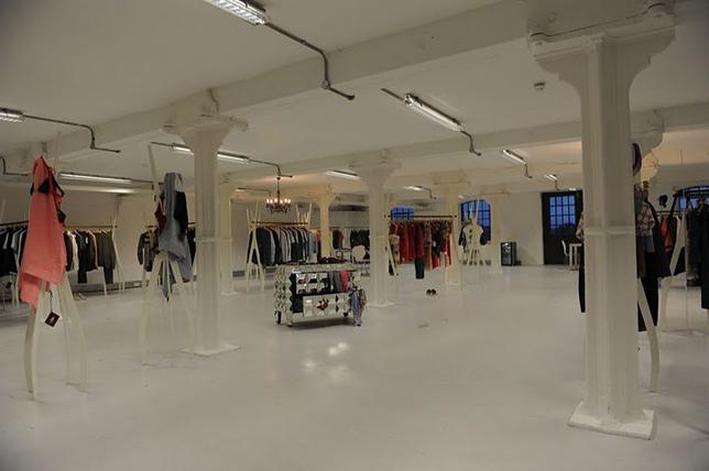 Showroom Dondup a Londra