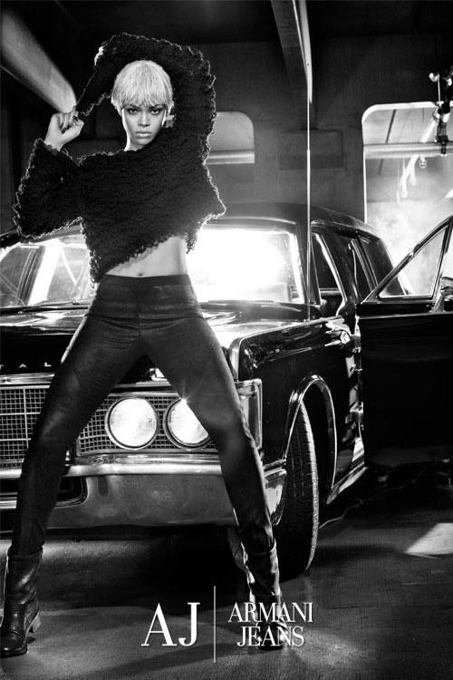 Rihanna per Armani