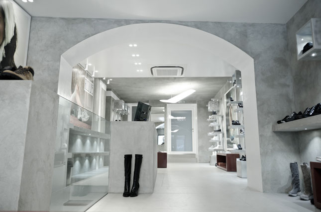 Boutique Ruco Line a Milano