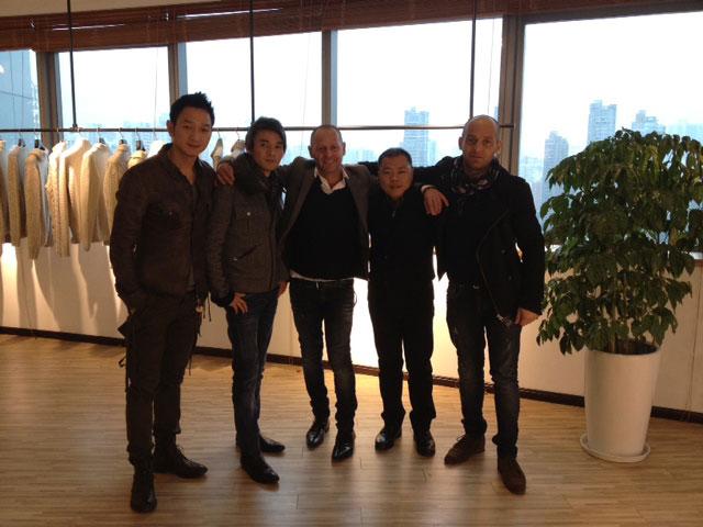 Antonio e Fabrizio Mangano con i soci cinesi