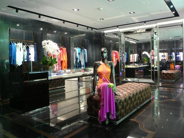Nuovo flagship store Roberto Cavalli in Cina