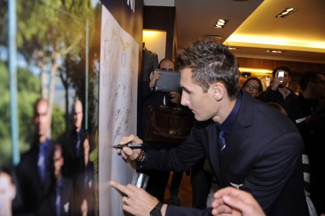 Miroslav Klose secondo solo a Candreva nel contest lanciato da Boggi Milano