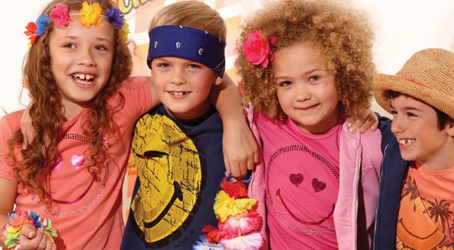 Smiley Company e Diffusione Moda lanciano una nuova linea dedicata ai  bambini  3c1d1df2917