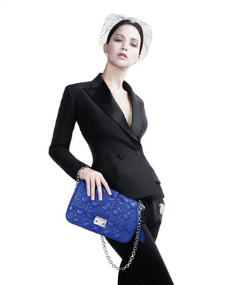 Jennifer Lawrence per Miss Dior bag