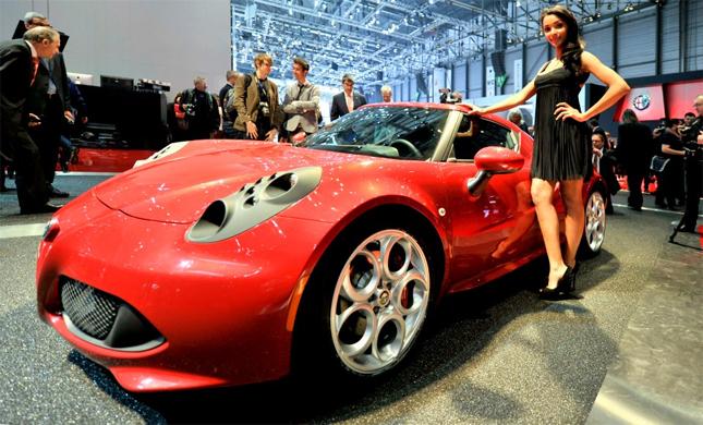 l' Alfa Romeo 4C au salon de l' automobile, ce mardi 05 mars 2013 a Geneve. (PHOTOPRESS/Christian Brun) KEYSTONE