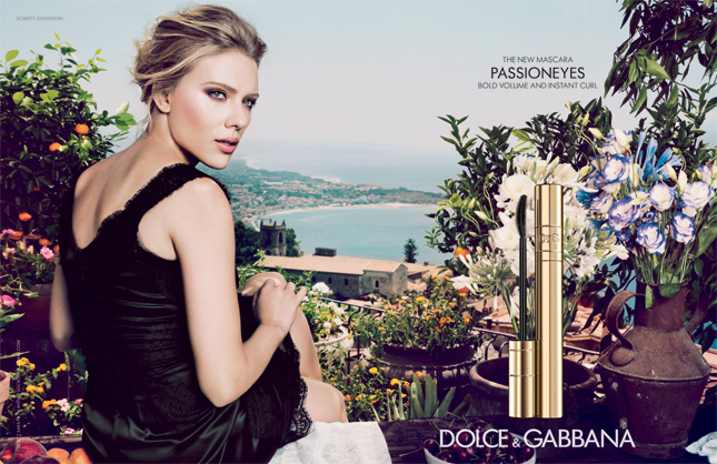 Scarlett Johansson per Passioneyes di Dolce   Gabbana  d754b33583d