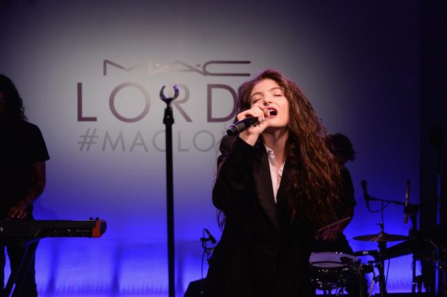 Performance live di Lorde per MAC Cosmetics