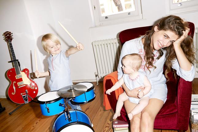 Elisa Sednaoui presenta Little-a-like in esclusiva su Yoox.com