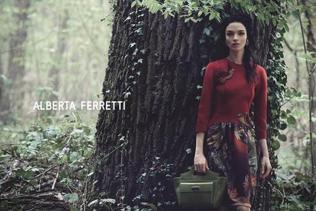 Mariacarla Boscono per Alberta Ferretti