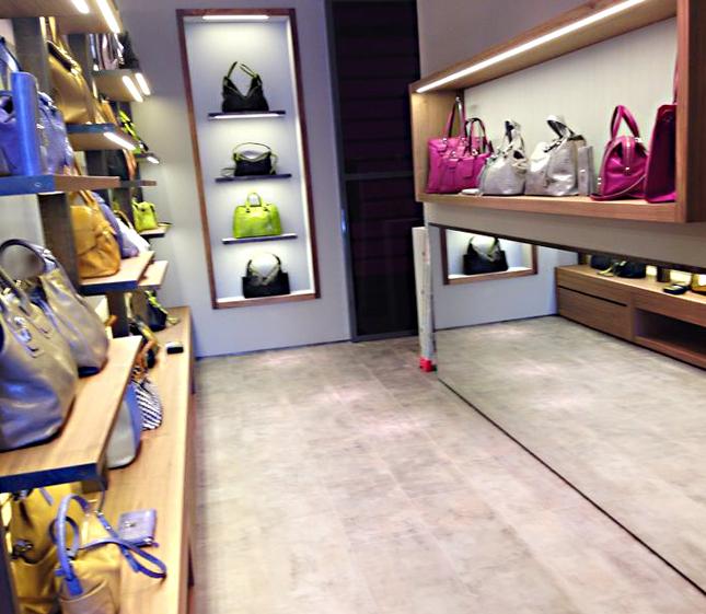 Boutique Francesco Biasia a Milano