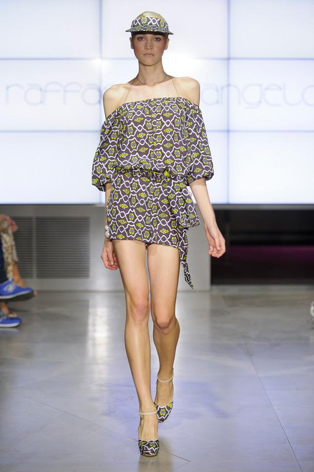 Federica Pellegrini sfila per Raffaella D'Angelo