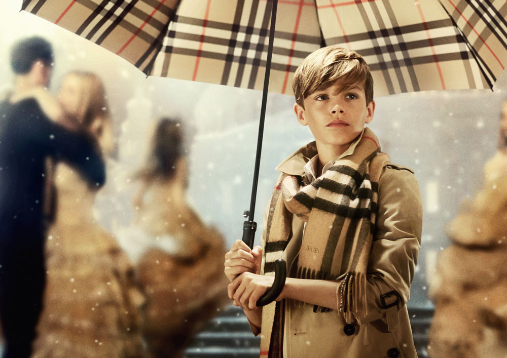 1. Burberry Festive Campaign (PRIVATE AND CONFIDENTIAL - ON EMBARGO 9PM UK TIME 3 NOVEMBER)