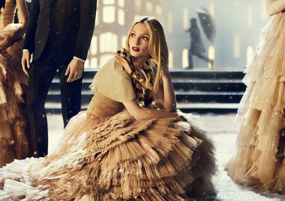 4. Burberry Festive Campaign (PRIVATE AND CONFIDENTIAL - ON EMBARGO 9PM UK TIME 3 NOVEMBER)
