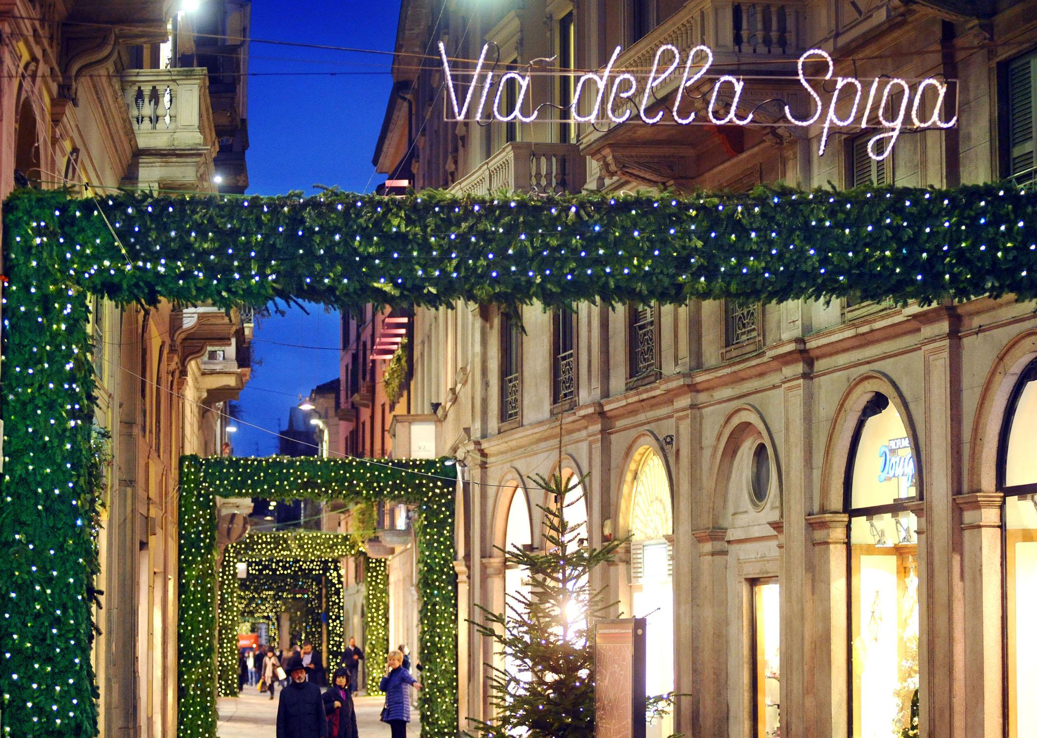 Casa babbo natale esiste a milano con tiffany co fashion times - Fiera della casa milano ...
