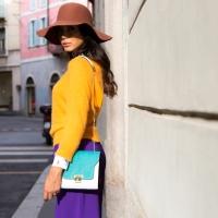 1.Chiara Biasi indossa la borsa della capsule Patty Toy Braintropy by Chiara Biasi