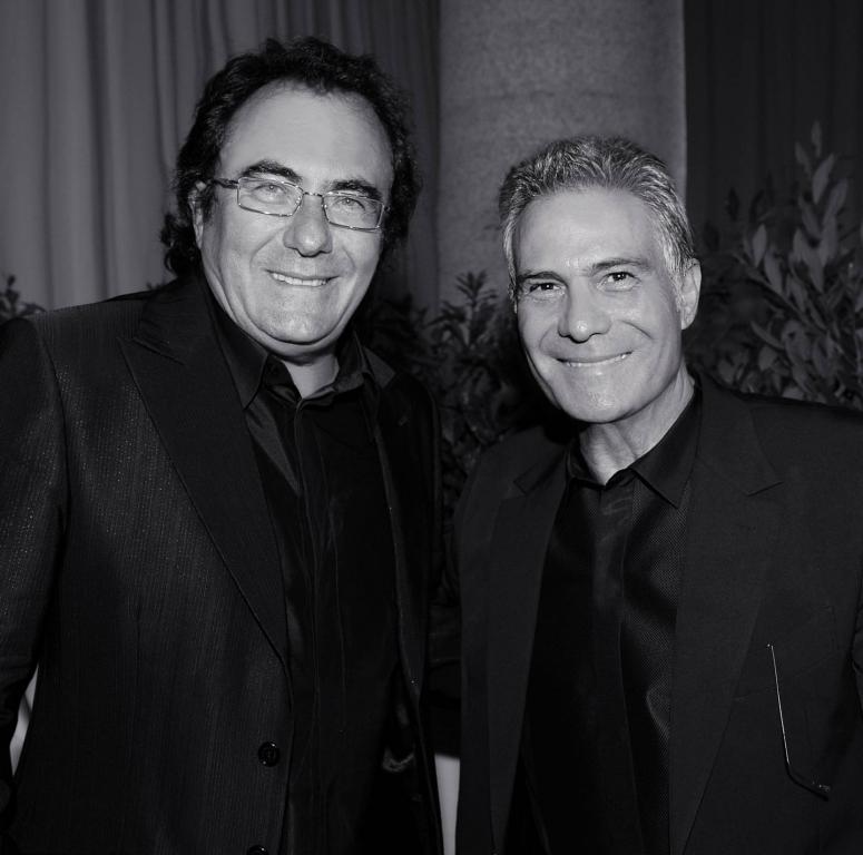 Al Bano con Carlo Pignatelli. Il cantante ha vestito Carlo Pignatelli