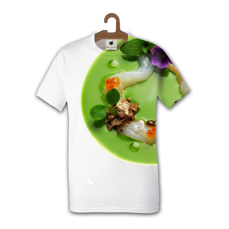 """La t-shirt di Antonino Cannavacciuolo.  """"SI DICE CHE UN SOLO GRANDE AMORE BASTI, NELLA VITA COME IN CUCINA. IO HO SPOSATO LA TRADIZIONE CULINARIA PIEMONTESE SENZA AVER MAI SMESSO DI AMARE LA MIA TERRA."""""""