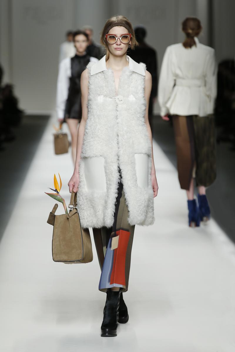 Fendi Fall-Winter 2015-16 Womenswear Collection – Fashion ...