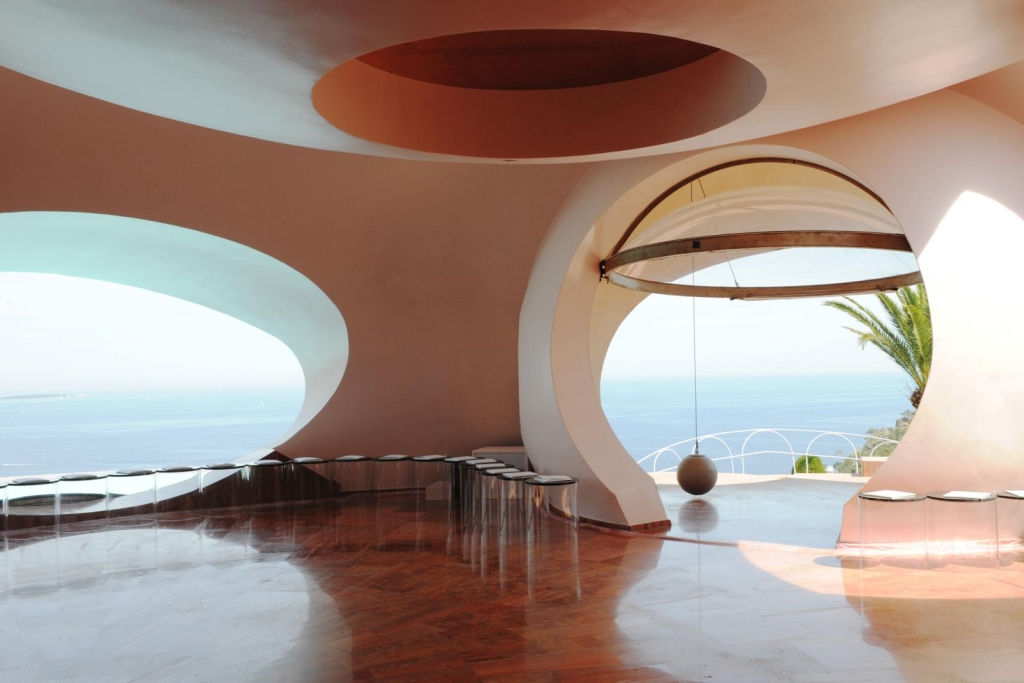 The Palais Bulles of Pierre Cardin – Fashion Times