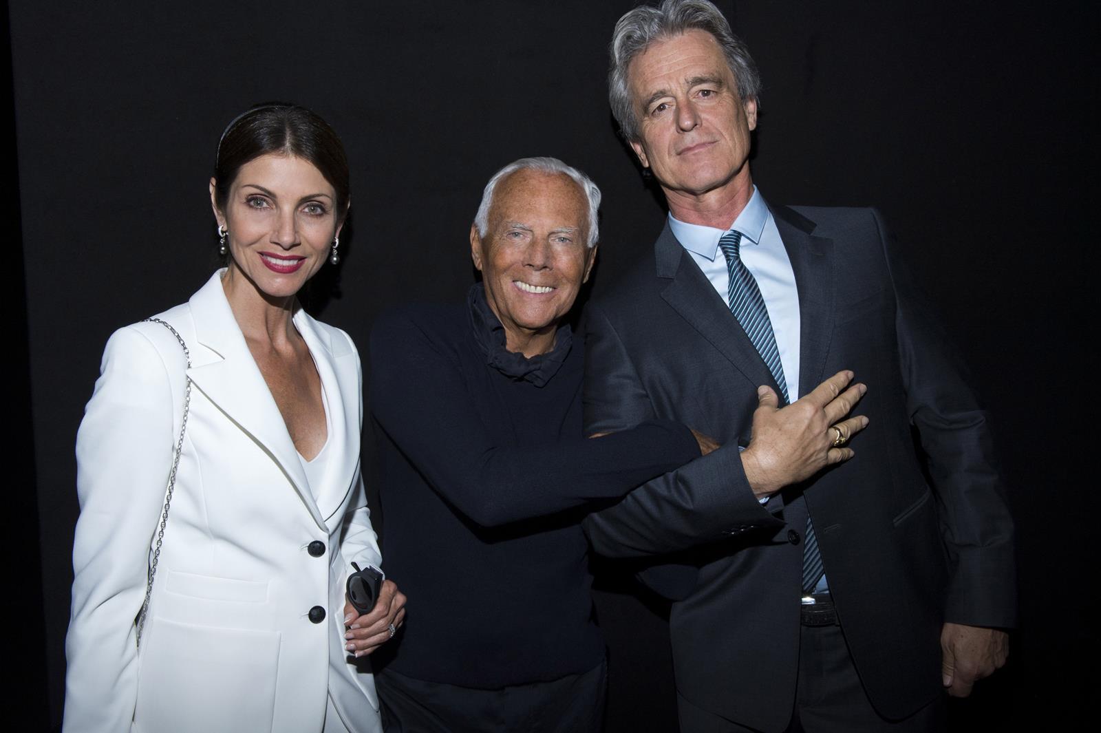 Malissa e Bobby Shriver con Giorgio Armani