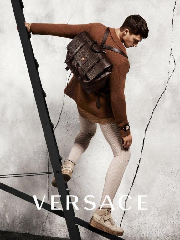 Versace ADV Campaign Fall-Winter 2015-16 (2)