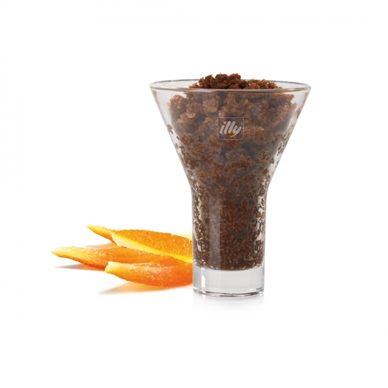 Espresso, ghiaccio, panna montata e scorza d'arancia da abbinare al classico maritozzo romano.