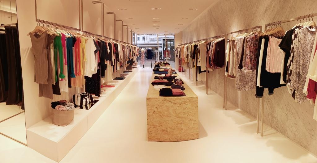 american vintage prosegue la sua espansione in europa fashion times. Black Bedroom Furniture Sets. Home Design Ideas