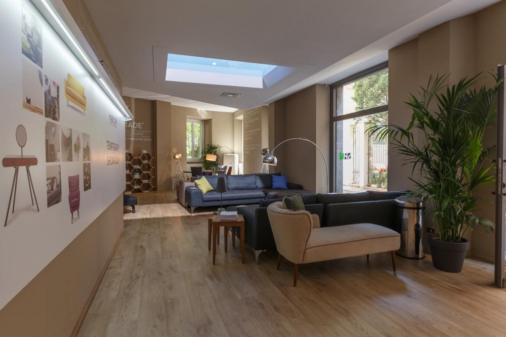 design da provare a milano showroom riapre al. Black Bedroom Furniture Sets. Home Design Ideas