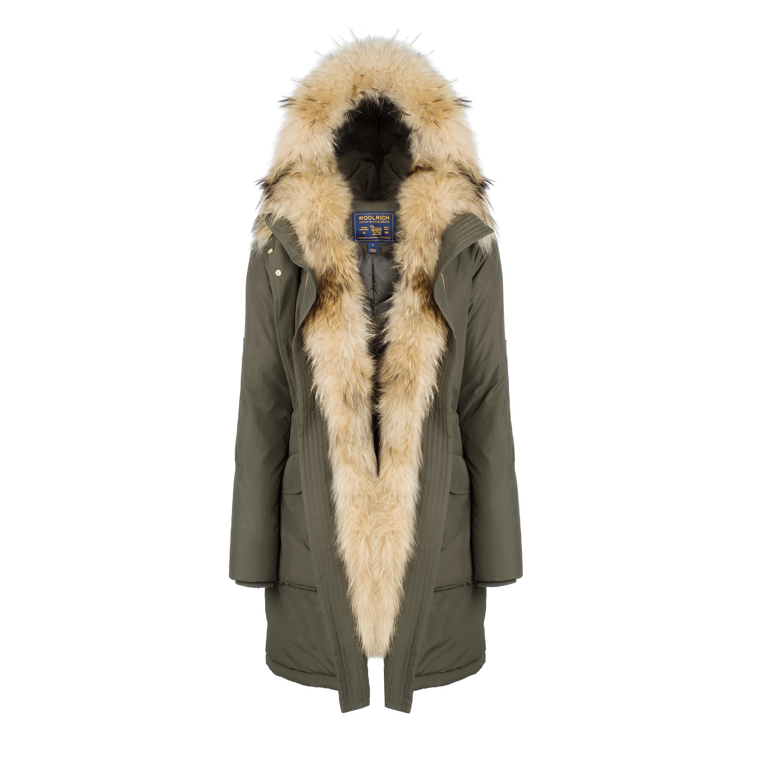 woolrich per lei un grande classico che si rinnova ogni inverno fashion times. Black Bedroom Furniture Sets. Home Design Ideas