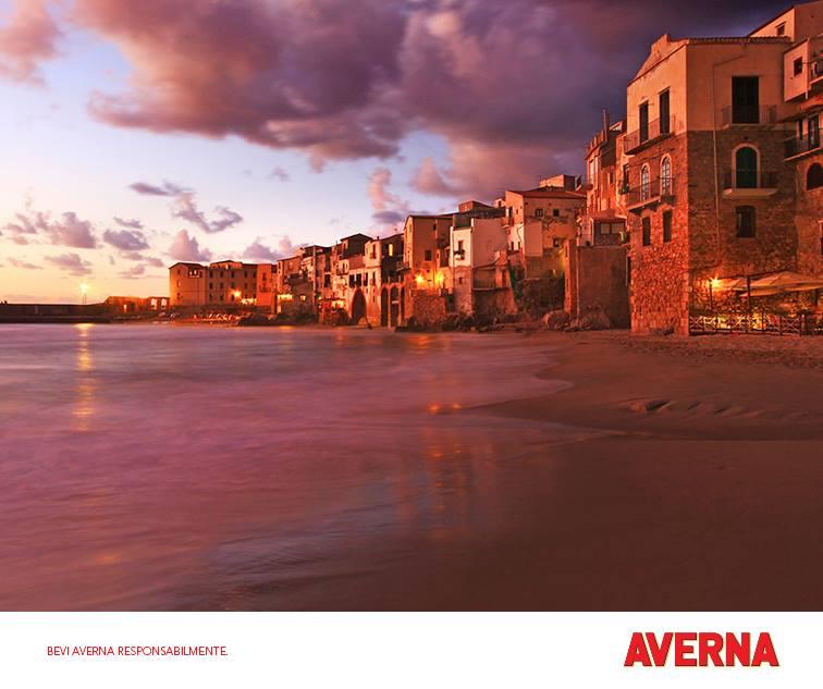 La spiaggia di Cefalù (Palermo)