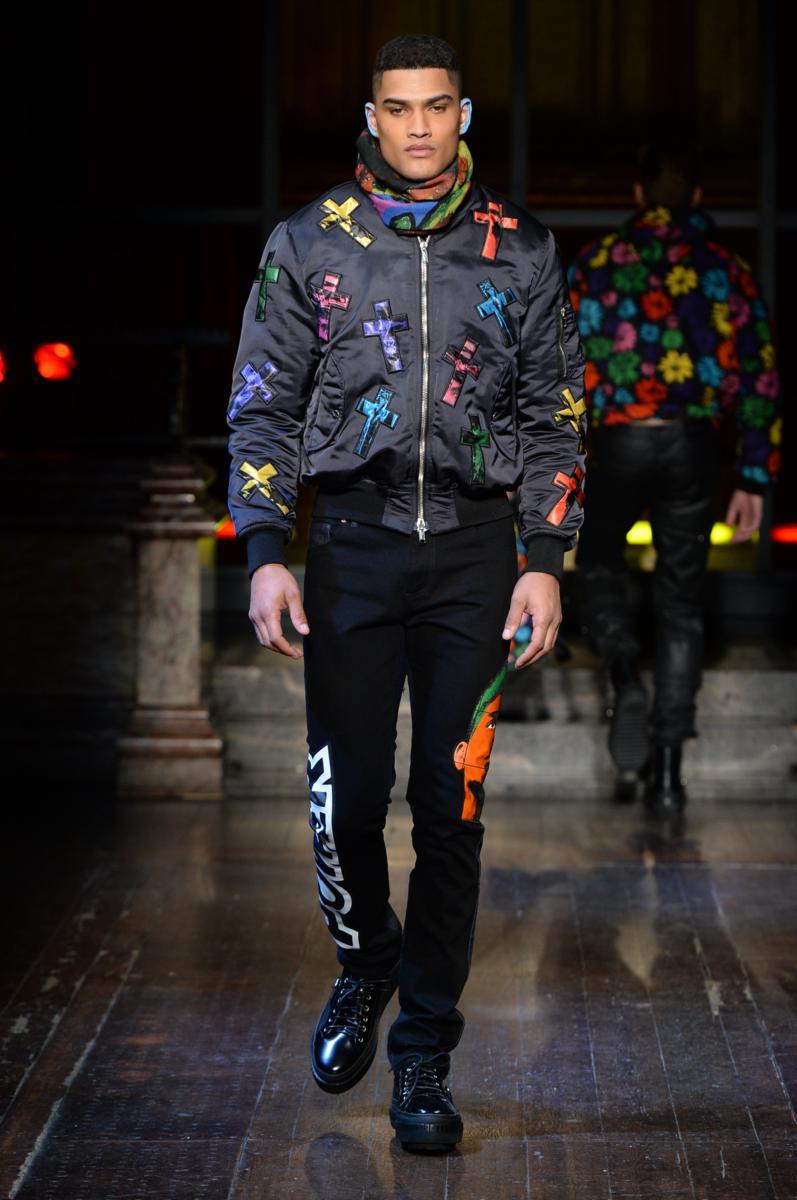 Moschino menswear collection Fall Winter 2016 17 – Fashion Times