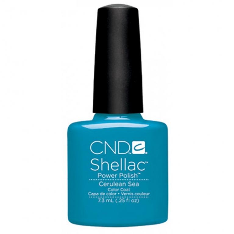 La nuance Cerulean Sea di Shellac, il perfetto azzurro per la primavera - estate