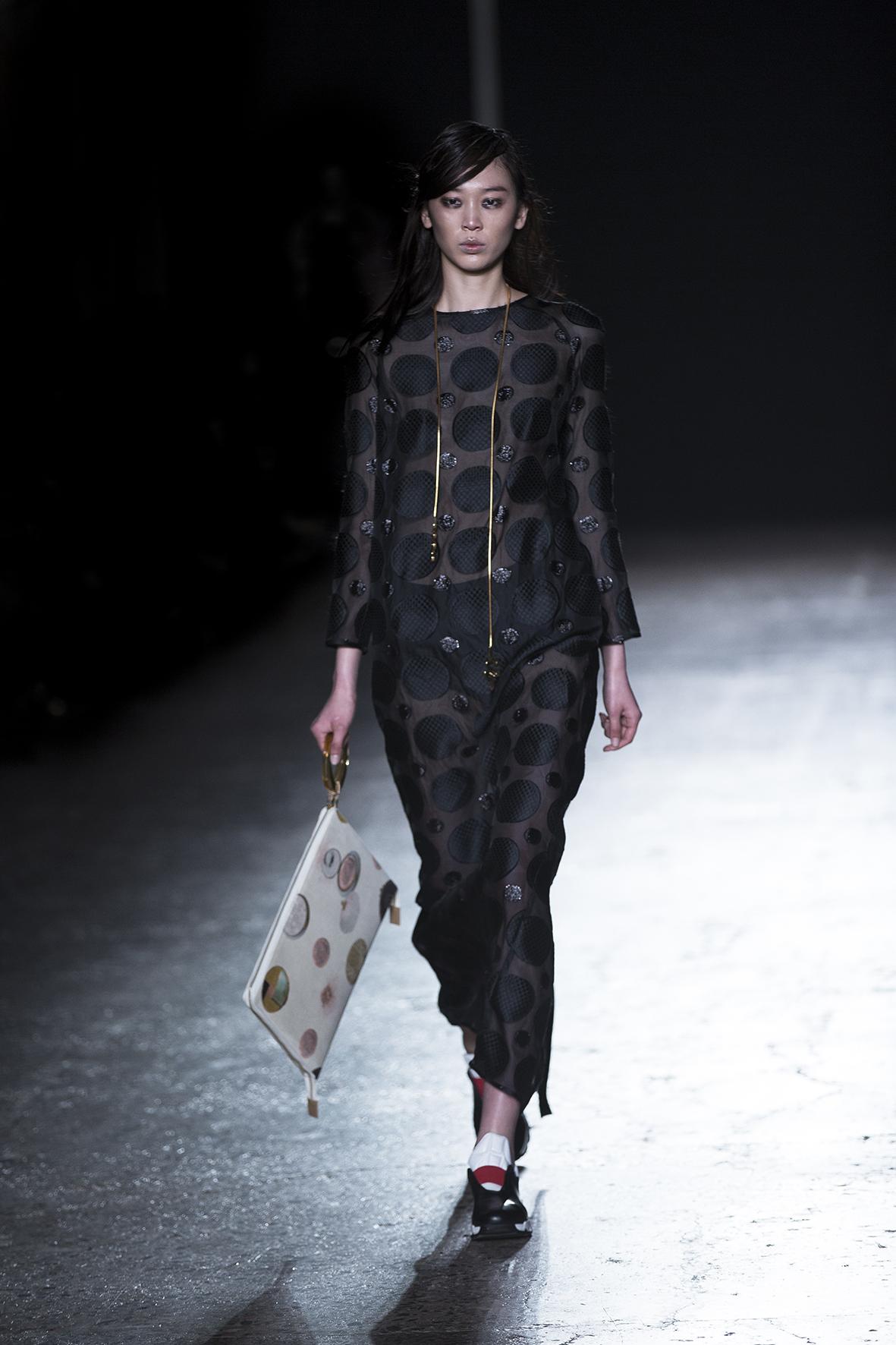 alberto zambelli fall winter 2016 17 fashion times. Black Bedroom Furniture Sets. Home Design Ideas