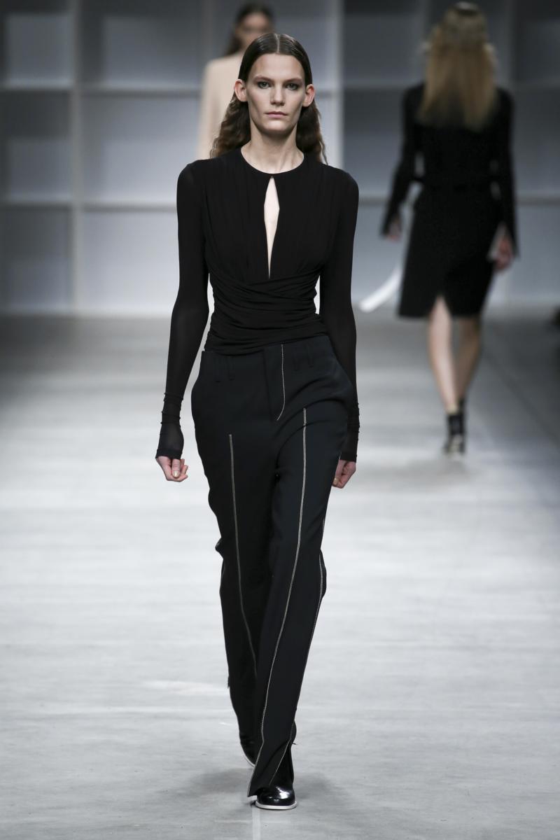 aquilano rimondi fall winter 2016 17 womenswear collection. Black Bedroom Furniture Sets. Home Design Ideas
