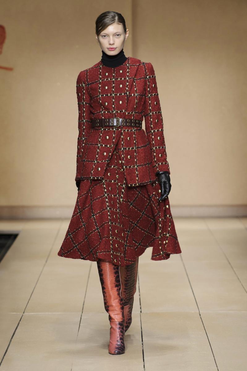 laura biagiotti fall winter 2016 17 womenswear collection fashion times. Black Bedroom Furniture Sets. Home Design Ideas