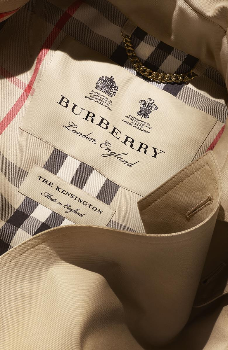 The Monogrammed Burberry Heritage Trench Coat_005 (Copy)