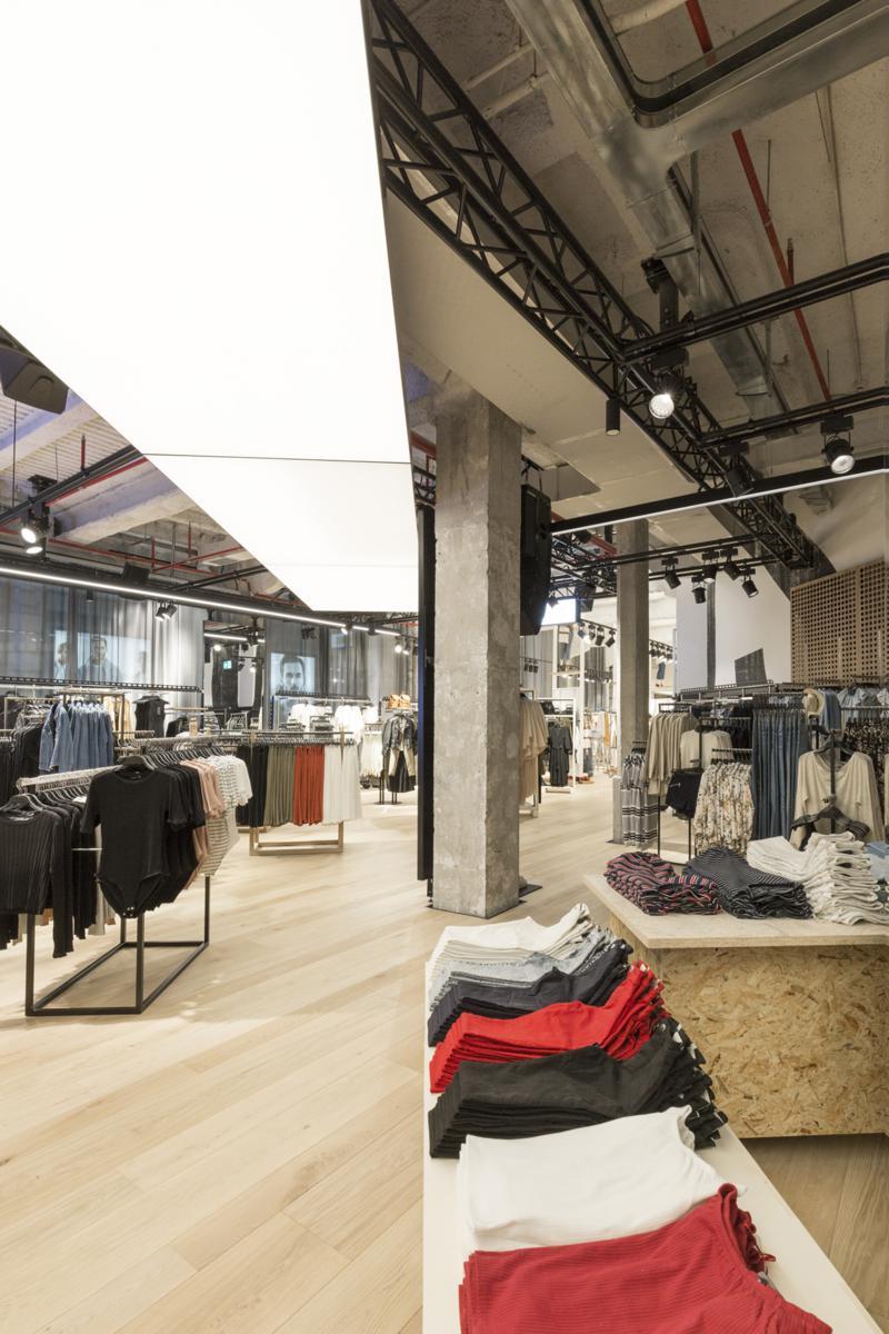 Mondo clothing store