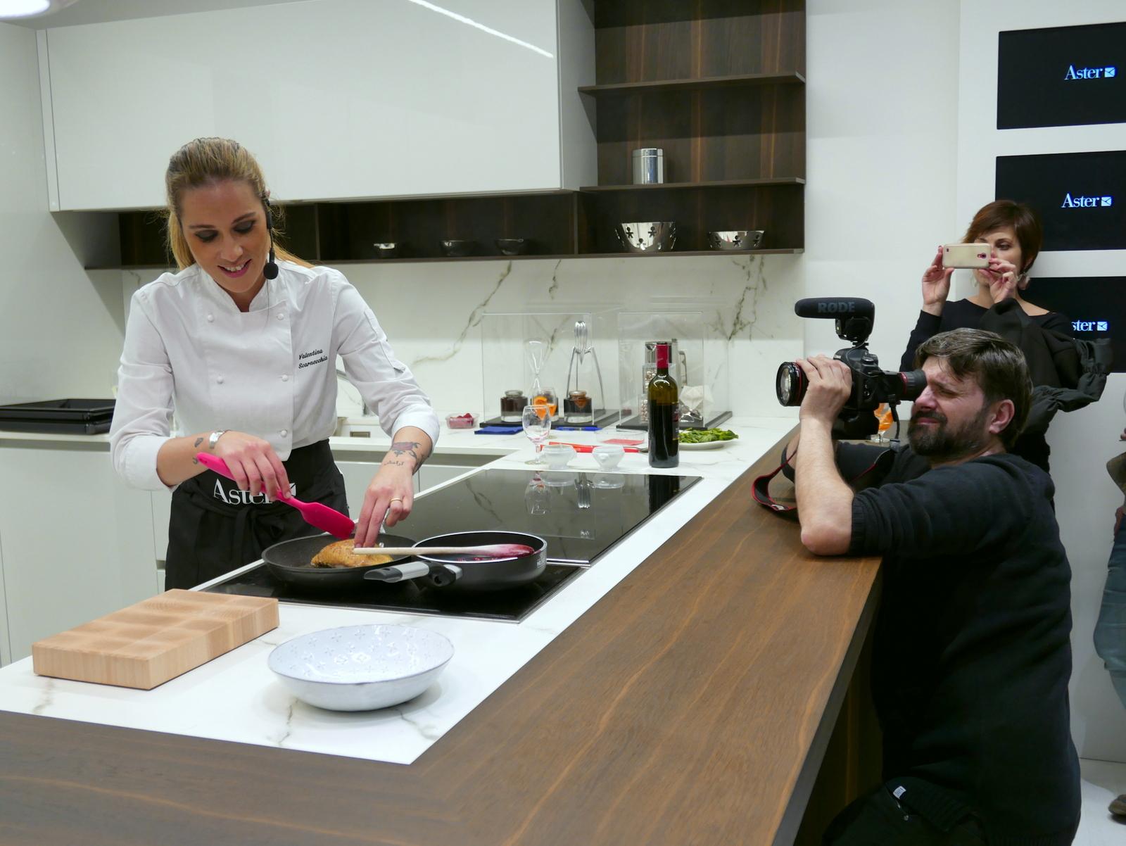 La cucina personalizzata con aster e la food blogger - Chiara blogger cucina ...
