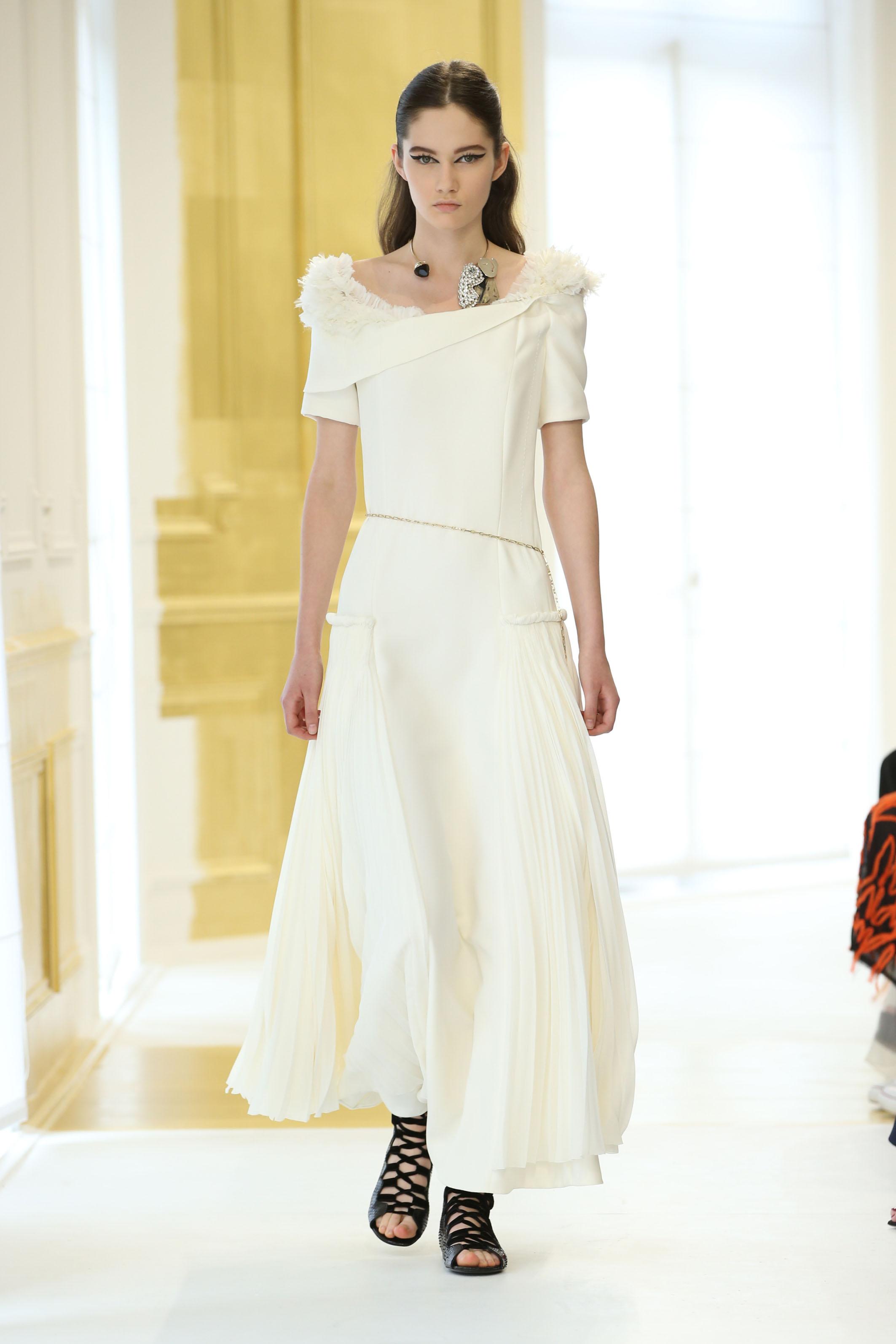 Dior Haute Couture autunno-inverno 2016-17 VIDEO – Fashion ...