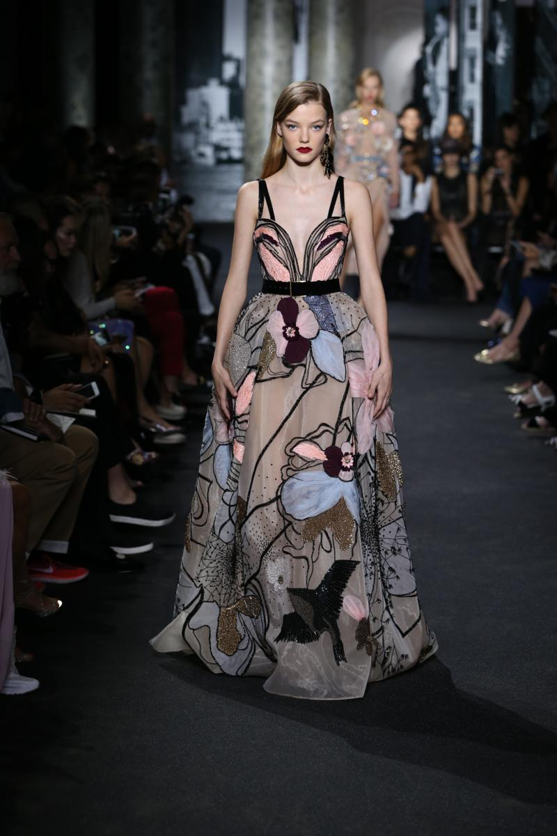 elie saab haute couture autumn winter 2016 17 show fashion times. Black Bedroom Furniture Sets. Home Design Ideas