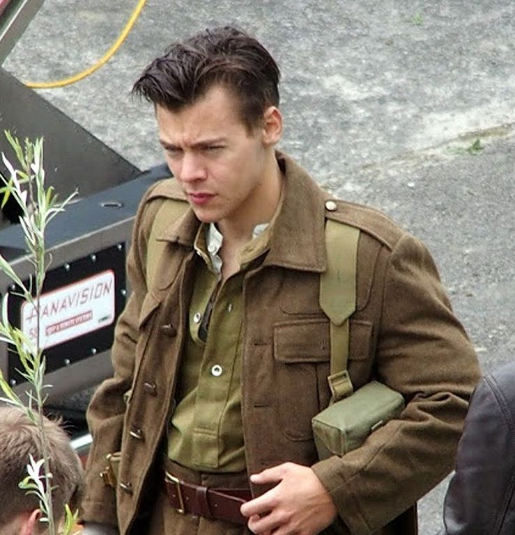 Harry Styles Dai One Direction Al Cinema Fashion Times